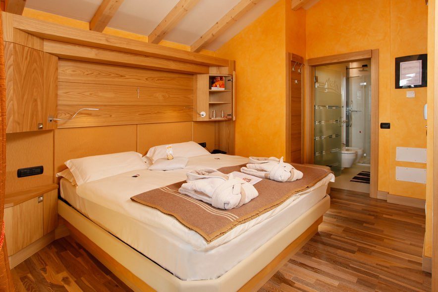 Hotel Alp Wellness Mota - Via Ostaria, 11 - Room - Suite Mota 1