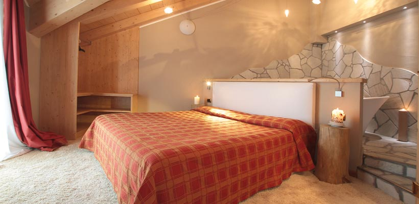 Hotel Cristallo - Via Rin, 232 Suite 1