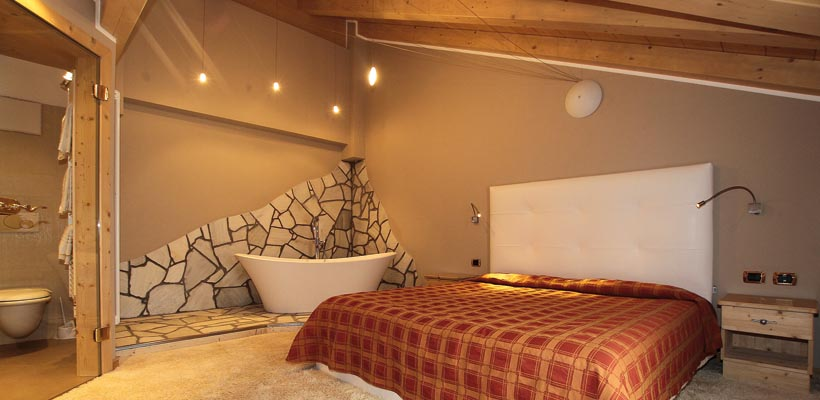 Hotel Cristallo - Via Rin, 232 Suite 2