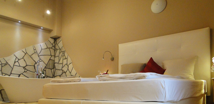 Hotel Cristallo - Via Rin, 232 Suite 3