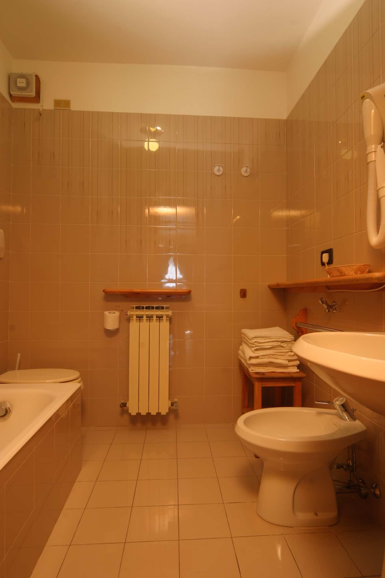 Bait da Borch - Via Saroch N.1430/f, Livigno 23041 - Apartment - Appartamento Eira 4
