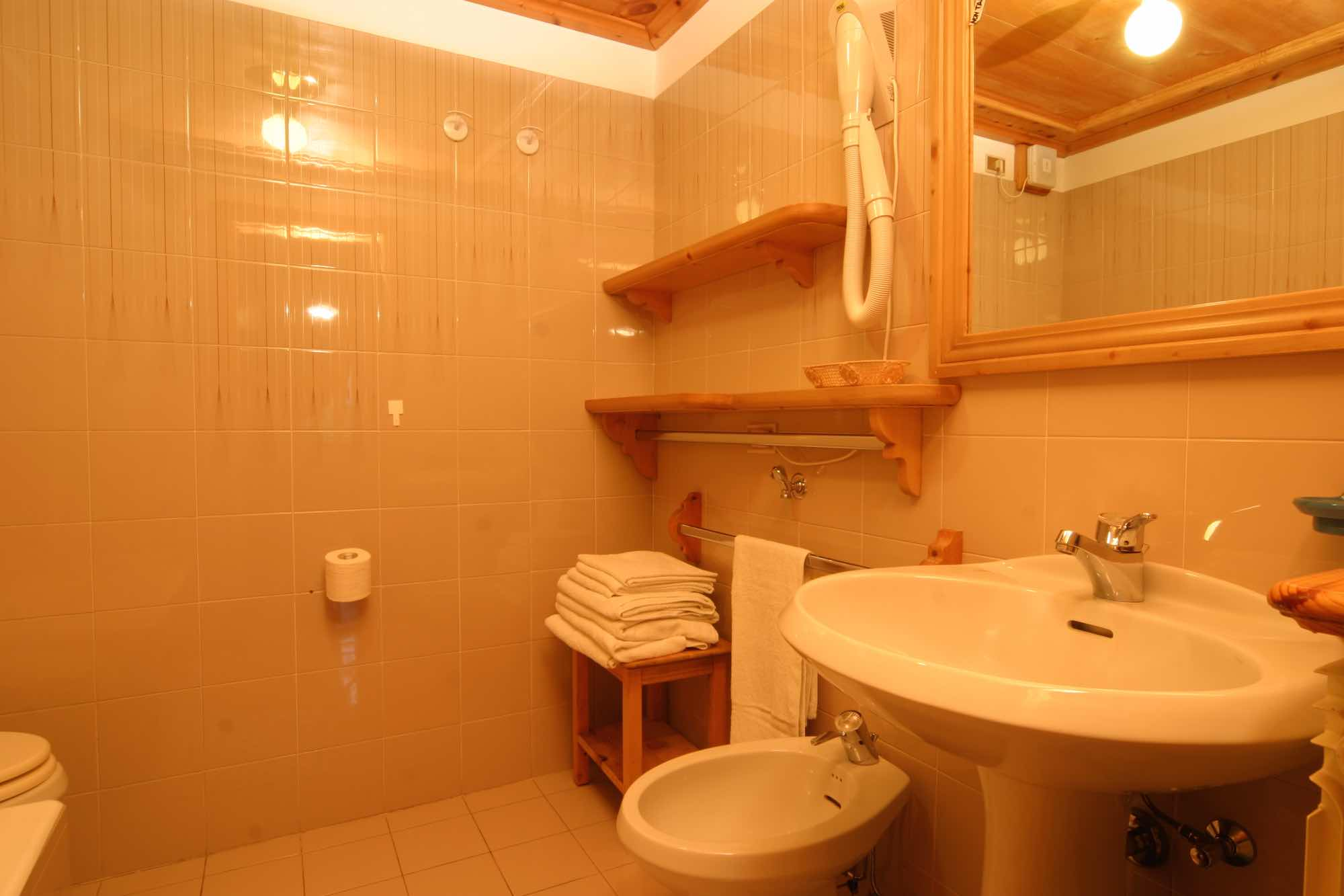 Bait da Borch - Via Saroch N.1430/f, Livigno 23041 - Apartment - Appartamento Vetta 5
