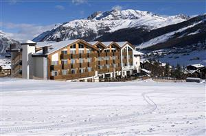 Hotel Lac Salin and Mountain resort - Via Saroch N.496d, Livigno 23041 2